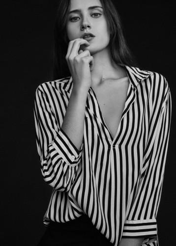 MARIA MANRIQUE
